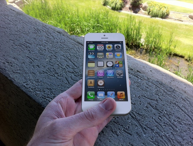 Real Apple iPhone 5 Render