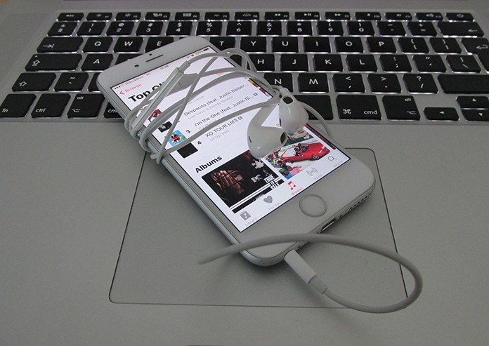 put music on iphone without itunes