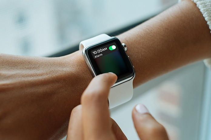 turn on siri on apple watch