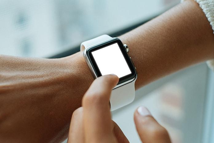 use apple watch as a flashlight